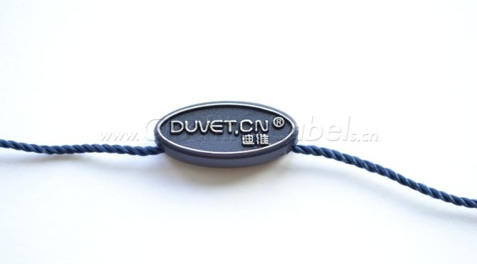 Duvet hang tag string