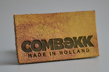 COMBEKK leather label-P003418