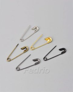 hang tag string safety pin