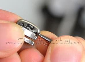 replace-zipper-puller03