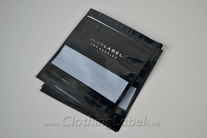 8 plastic packaging 302