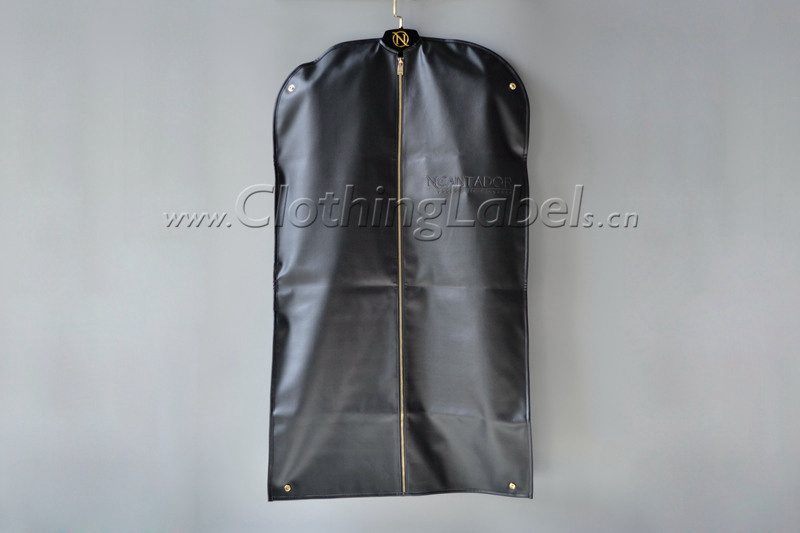 8 hanging garment bag 001