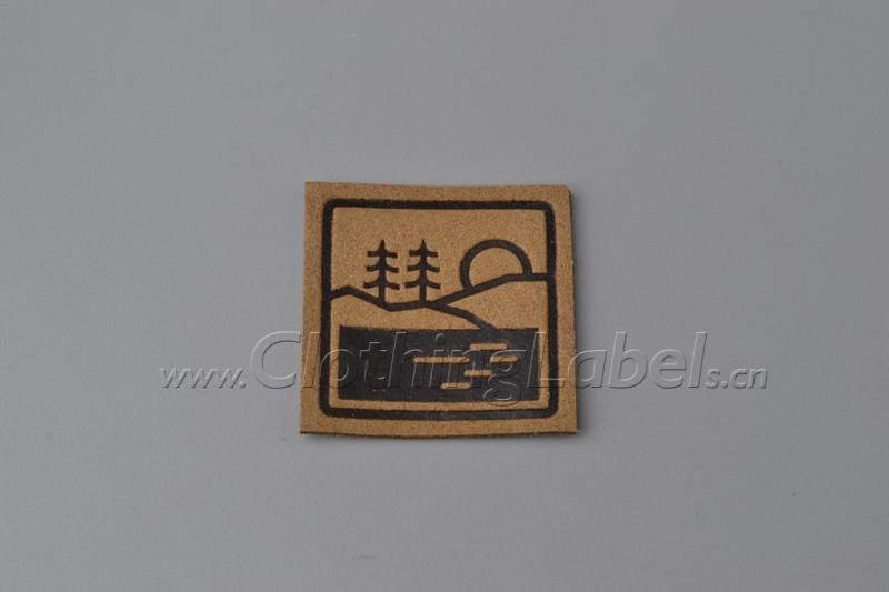 8 leather labels DSC658522
