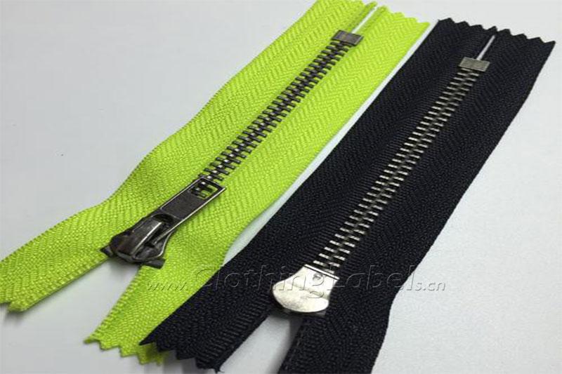 8 zipper-01