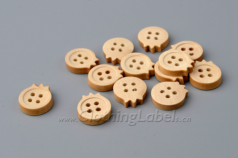 wooden buttons 03